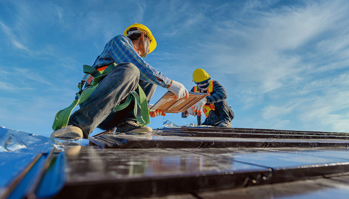 Secure Yourself When Working On A Roof